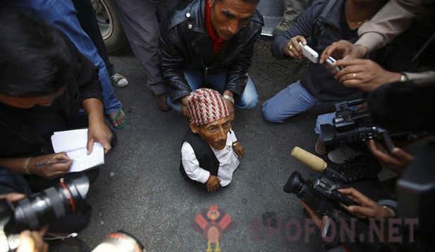 nepalski izlasci u Katmanduu izlazi s tijesnim čovjekom